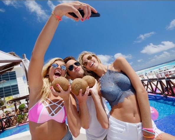 American tourists in Cancun (Photo: Google)
