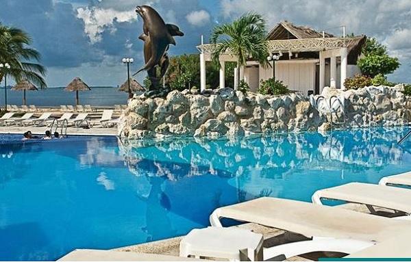 Sunset Marina Resort Yacht Club On Cancun S Nichupte